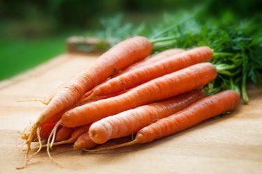 Karotten für die Augen und Schnaps für die Verdauung?
